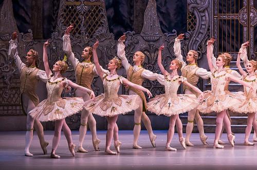 The_corps_de_ballet_in_the_royal_ba